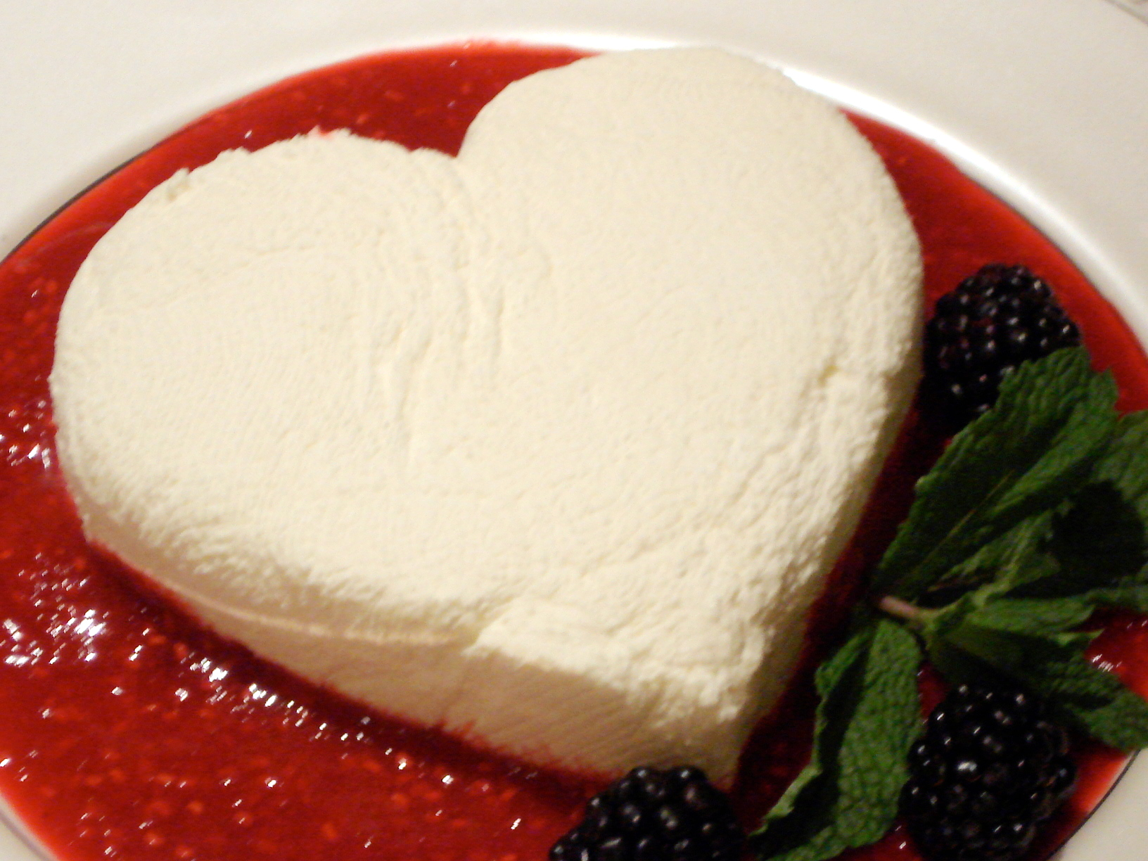 Sweet Valentine's Coeur A La Creme With Strawberry Sauce ...